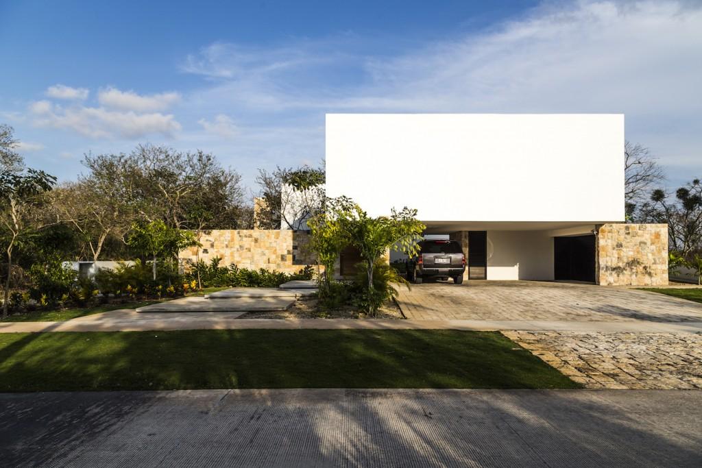 Casa Hoyo 14-3