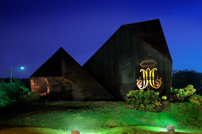 Monumento Champagnat - 03