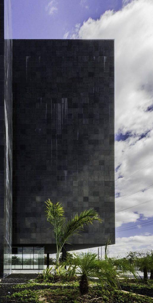 Torre Black 6